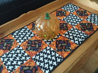 Halloween Table Runner - Ghosts